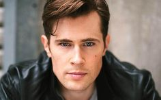 Please welcome David Berry to the cast of Outlander as Lord John Grey  From Entertainment Weekly: This casting news should help take away the pain of the ongoing Droughtlander. EW has learned exclu…