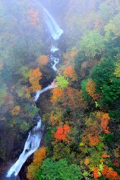 Fudo valley (another name-Tsubakuro valley) in Fukushima city, Fukushima, Japan. Scenic Photography, Landscape Photography, Photography 101, Beautiful Places, Beautiful Pictures, Sea Of Japan, Autumn Scenery, Fukushima, Science And Nature