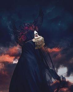 Obsessed with the photo Digital Photographer & Artist:Natalie Shau Dark Beauty, Hijab Drawing, Art Et Design, Hijab Cartoon, Mode Hijab, Dark Night, Islamic Art, Islamic Quotes, Dark Fantasy