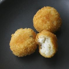 "Arancini di Riso from Sicily ... ""rice balls with a bleeding heart of cheese coated in bread crumbs and fried to resemble small oranges""."
