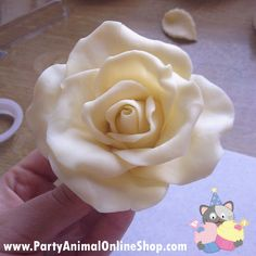Make a rose with modelling chocolate tutorial - Cake It To The Max