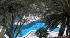 Hotel Roca Vinarós Just 250 m from Vinaròs's beach, Hotel Roca has pretty landscaped gardens and an outdoor pool, and offers free Wi-Fi access.  Rooms at the hotel are modern and comfortable, with air conditioning, en suite bathroom and private terrace.