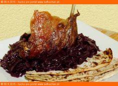 Pečené kačacie (husacie) stehná s dokonalou kapustou a páperovými zemiakovými lokšami Food 52, Poultry, Pork, Beef, Chicken, Humor, Pork Roulade, Humour, Backyard Chickens