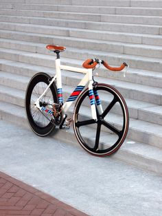 Leader LD 735TT (Custom Martini Racing Paint) on Bike Showcase #bicycle #bicis | caferacerpasion.com