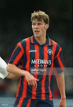 Scottish Premier League Football - Dundee v Rangers, Duncan Ferguson. Retro Football, Football Pictures, Sport Football, Football Cards, Football Players, Soccer, Rangers Team, Rangers Football, Dundee