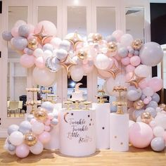 Wow! So stunning!!! Prefect twinkle twinkle little star display!! ✨by @luxecoutureevents @boutiqueballoonsmelbourne A MUST FOLLOW #balloons…