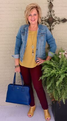 50 is not old transition outfit fall weather denim jacket fashion over 40 f Winter Work Fashion, Fall Fashion Trends, 50 Fashion, Look Fashion, Women's Fashion Dresses, Ladies Fashion, Celebrities Fashion, Curvy Fashion, Fashion Bloggers