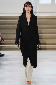 See the complete Jil Sander Fall 2015 Ready-to-Wear collection.