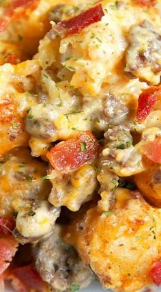 Bacon Cheeseburger Tater Tot Casserole - hamburger, bacon, cheese, cheese soup, sour cream and tater tots - what's not to love? We ate this…