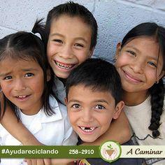 """¡Sé parte del cambio! Con tu donativo,podemos seguir llevando alegría a mas niños. Comparte lo que ya no usas, llámanos y te dejaremos nuestras bolsas verdes.  258 2910 / Rpc. 998 178 541 http://acaminar.org/donaciones/ """"A caminar"""", reciclamos para ayudar ❤"""