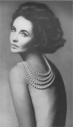 Elizabeth Taylor. Photo by Richard Avedon 1960.