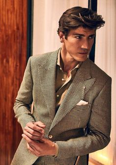 Summer Tailoring: Massimo Dutti's Man is Dressed to Impress