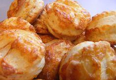 Anyu sajtos pogácsája recept képpel. Hozzávalók és az elkészítés részletes leírása. Az anyu sajtos pogácsája elkészítési ideje: 35 perc