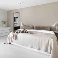 Inspirational ideas about Interior, Interior Design and Home Decorating Style for Living Room, Bedroom, Kitchen and the entire home. Curated selection of home decor products. Scandi Bedroom, Living Room Bedroom, Home Bedroom, Modern Bedroom, Bedroom Decor, Bedroom Ideas, Master Bedroom, Beautiful Interiors, Beautiful Homes