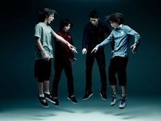 One Ok Rock представили видео «Mighty Long Fall» http://muzgazeta.com/rock/201428489/one-ok-rock-predstavili-video-mighty-long-fall.html