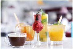 Hoje escolhi algumas receitas bem refrescantes para o LeBlog! Daqui a pouco chega o verão e já vamos nos preparar! São três receitas de drinks feitos com Água Perrier sem álcool que acabaram de ser inclusos na carta de bar …