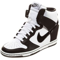 Nike Sportswear DUNK SKY HI Hightop trainers ($79) ❤ liked on Polyvore featuring shoes, sneakers, nike, zapatos, white, high-top sneakers, white wedge sneakers, leather high top sneakers, white leather shoes and nike trainers