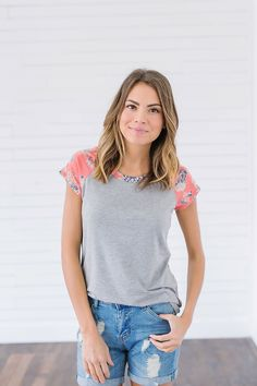 Forever Summer Coral Floral Tee Shirt from Bella Ella Boutique    Online Store. Online Fashion Boutique. Womens Boutique Clothing. Spring Shirt. Flowers. Floral. Pink and Gray Floral Top. Pink and Gray Floral Tee Shirt. Color Block.