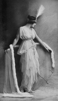 Evening dress by Lucile and Aigrette - 1914 - Les Modes Paris Similar to some of the costumes in Queen of Spades!