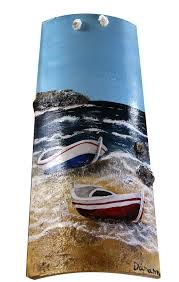 pintar tejas decorativas - Buscar con Google Tile Crafts, Craft Stick Crafts, Crafts To Make, Beach Wood, Beach Art, Ceramic Roof Tiles, Palm Frond Art, Bottle Painting, Vintage Christmas Cards
