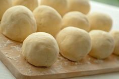 Ciasto na knedle Polish Recipes, Polish Food, Hamburger, I Am Awesome, Bread, Cheese, Pierogi, Cooking, Sweet