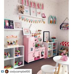 Closet to Office Makeover Small Office Organization, Ideas Dormitorios, Closet Remodel, Office Makeover, Toy Rooms, Home And Deco, Little Girl Rooms, My New Room, Home Interior