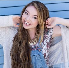 {Fc Meredith Foster} Hiii I'm Winter I'm 15 and single. I make YouTube videos and I have an older brother named Kian. Intro?
