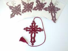 Crochet cross Goth cross cross bookmark car mirror décor.