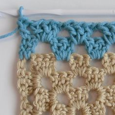 How to Make a Crocheted Granny Square into a Granny Rectangle ♡ Teresa Restegui http://www.pinterest.com/teretegui/ ♡