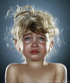 'End Times' is a photo series of crying babies, by famous photographer Jill Greenberg. Jill Greenberg, Crying Pictures, Crying Kids, Crying Face, Foto Picture, Kind Photo, Photo Series, Portrait Photography, Photography Kids