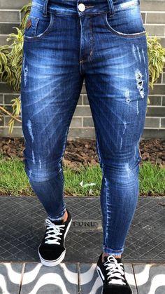 Blue denim with destroy wash Cute Jeans, Skinny Jeans, Fashion Pants, Fashion Outfits, Hijab Fashion, Zapatillas Jordan Retro, Streetwear Jeans, Hommes Sexy, Men's Denim