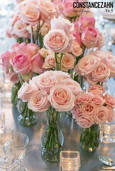 Casamento inspirado no glamour moderno - Constance Zahn Rosen Arrangements, Flower Arrangements, Brunch Mesa, Glamour, Centerpiece Decorations, Minnie, Healthy Options, Pink Grey, Marriage