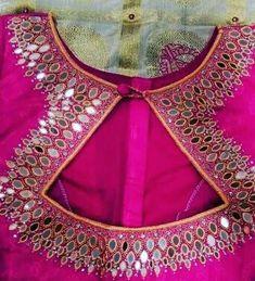 Blouse Back Neck Designs, Sari Blouse Designs, Blouse Styles, Fashion Blouses, Women's Fashion Dresses, Sriti Jha, Mother Daughter Fashion, Stylish Blouse Design, Indian Blouse
