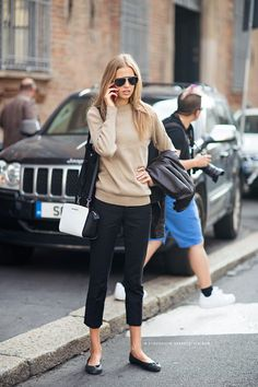 simple outfit with cropped pants