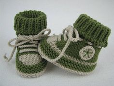 Baby Knitting Pattern ✓ Knitting baby sneakers themselves ✓ Get the knitting instructions and knit your baby& first . Baby Booties Knitting Pattern, Knit Baby Shoes, Knit Baby Booties, Baby Boots, Baby Knitting Patterns, Baby Patterns, Crochet Patterns, Free Knitting, Booties Crochet