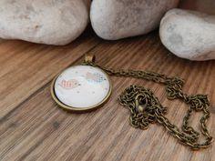 Ketten lang - Cabochon Kette bronze - Vögel bunt - ein Designerstück von Trullas-Reich bei DaWanda