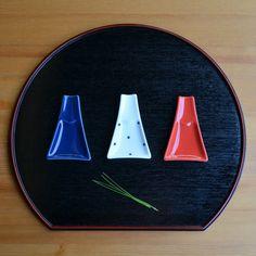 箸置き・醤油皿になる富士山。 重山陶器 富士山小皿 - まとめのインテリア / デザイン雑貨とインテリアのまとめ。
