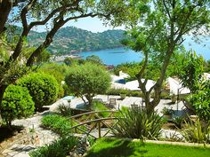 Amazing garden overlooking the sea at Villa Astar Luxury Guesthouse in French Riviera between Saint raphael and Cannes