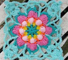 "485 Me gusta, 29 comentarios - Jorina (@crochetrainbowtales) en Instagram: ""Spring feeling!! Blossom makes me happy and it's a big inspiration for me!!! Na een hele pittige…"""
