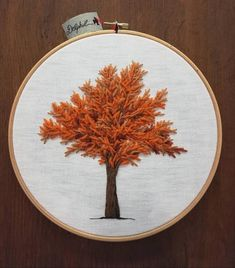 Large maple autumn embroidered Felletin (hollow) 🧡 wool Wool & cotton on linen background. Made in France-Creuse-Limousin Bullion Embroidery, Diy Embroidery Patterns, Hand Embroidery Art, Embroidery Fabric, Cross Stitch Embroidery, Stitch Patterns, Canvas Background, Chica Anime Manga, Thread Painting