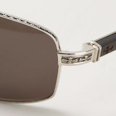 The details of the #ChromeHearts Beast III #sunglasses on display for #MacroMonday