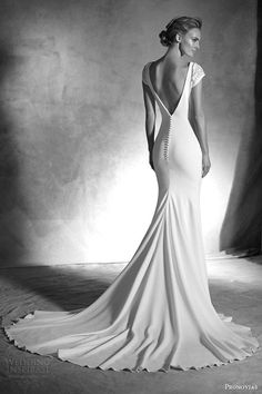 pronovias atelier haute couture 2016 irune cap sleeve wedding dress v back view buttons train