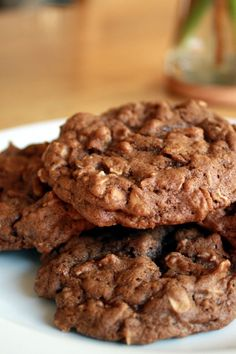 Amaretti from Italy - HQ Recipes Chocolate Oatmeal Cookies, Oatmeal Cookie Recipes, Oatmeal Cinnamon Cookies, Chocolate Chips, Melted Chocolate, White Chocolate, Just Desserts, Dessert Recipes, Biscuits