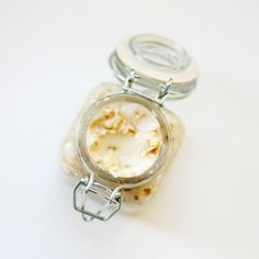 Perfect all natural homemade facial mask that is a great for your skin and makes the perfect gift idea too!