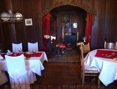Das Meeting überfordert mich! Gibt es was zu essen?   Entspanntes Treffen und Essen bei uns im Schloss Sargans!  . . . . . #SchlossSargans #Firmenfeier #generalversammlung #ausstellung #kundenanlass #hochzeit #wedding #weddinglocation #Sarganserland #love #vorfreude #teammeeting #treffen #fun #idea #geschenk #wohlen #spaßmusssein #geniessen #cheers #persönlichegeschenke #weihnacht #kundenanlass #kundenevent #dezemberevents #eventplanner #dezember #hallo2020 Turtle Soup, Decoration Table, Cheers, Horse, Furniture, Home Decor, Sevilla, Home Decor Ideas, December