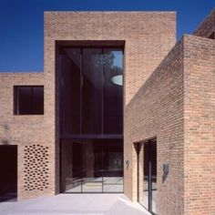 Trio+of+brick+volumes+form+Highgate+House+by+Carmody+Groarke