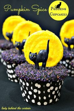 Black Cat Cupcakes | Community Post: 17 Insanely Creative Cupcakes That Are Guaranteed To Win Halloween