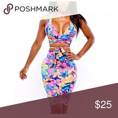 Two Piece Floral Bodycon Set Two piece floral crop top Bodycon set! Super cute! Only worn once! Great for a night out or on vacation! Dresses Midi