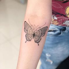 2019 sinnvolle Schmetterling Tattoo Designs – – 2019 Sinnvolle Butterfly Tattoo… – tattoos for women meaningful Mini Tattoos, Back Tattoos, Cute Tattoos, Leg Tattoos, Beautiful Tattoos, Body Art Tattoos, Small Tattoos, Sleeve Tattoos, Ribbon Tattoos