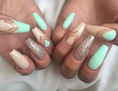 Glittered Coffin Nails with V shaped nail art. Chevron nails is always on the trend and when they are embellished with gold glitter and nude nails, they make great combination. Holiday Acrylic Nails, Acrylic Nails Natural, Holiday Nails, Mint Acrylic Nails, Natural Nails, Christmas Nails, Cute Nail Designs, Acrylic Nail Designs, Chevron Nail Designs
